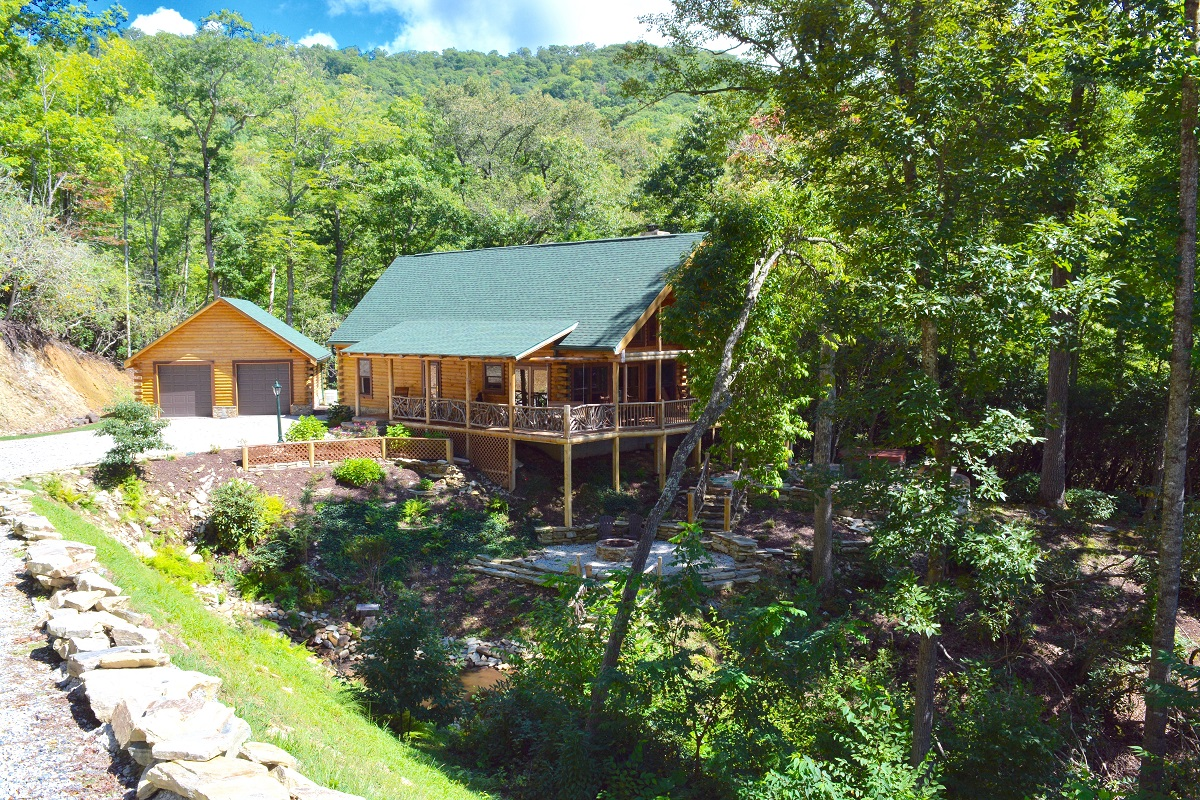 Bryson city cabin rentals all bryson city cabin rental for Smoky mountain cabins with fishing ponds